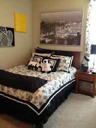 decorate college apartment. Simple Decorate Astonishing Cute Apartment Bedroom Ideas College White Blanket With  Regard To Renovation  For Decorate