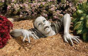 Lawn & Garden:Elegant Red Lynden Sculpture Garden Art Zombie Garden Art  Sculpture Decor Idea