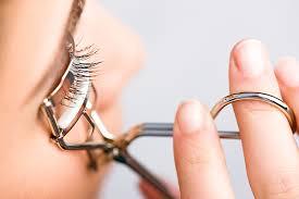 eyelash curler. eyelash curler guide u