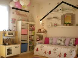 Nice And Simple Design For A Girls Room