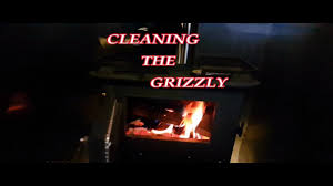 cleaning the cubic mini grizzly tidying up the trailer