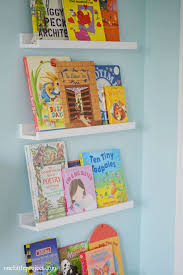 Alternative to a book shelf - Display with a wall of books