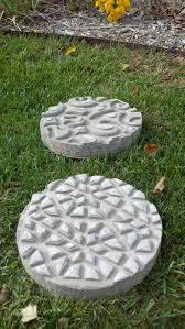 Diy Stepping Stones Best 25 Diy Stepping Stones Ideas On Pinterest Garden Stones