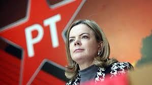 Gleisi é favorita para continuar na presidência do PT