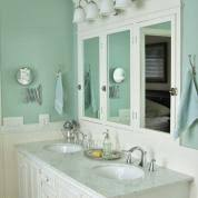 Editors' Picks: Our Favorite Blue Bathrooms