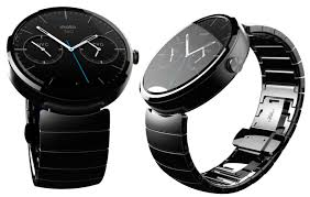 moto android watch. motorola 360 watch will be compatible with all moto devices (obviously) and other android 4.3 later versions. wear is an a