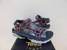 Красные <b>сандалии Teva m</b> для мужчин - огромный выбор по ...