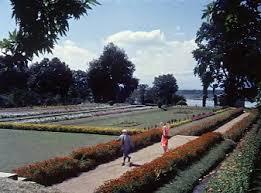 maine ek khwaab sa dekha hai waqt 1965 nishat bagh srinagar along with shalimar this is the other major mughal garden of srinagar