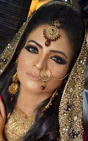 it is gorgeous bollywood indian style bridal makeup you can watch video take an idea