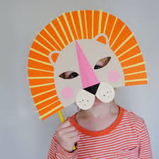 How To Make Face Mask From Chart Paper 25 Easy Diy Halloween Masks How To Make A Halloween Mask