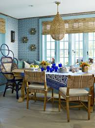to update a 60s houston house ray booth and elizabeth kennedy outed the dining room with a sleek bradley table the mcalpine for lee industries chairs
