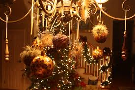 beautiful christmas decorations. It\u0027s Written On The Wall: See 7 Different Christmas Chandeliers-Beautiful Decor Beautiful Decorations I