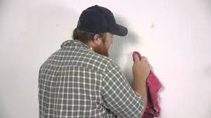 how to get wallpaper glue off plaster walls image