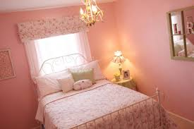 Small Pink Bedroom Things To Do To Decorate Your Little Girls Bedroom Ideas