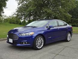 2015 Ford Fusion Hybrid SE Road Test Review | CarCostCanada