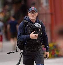 Daniel Craig und die Kindertrage