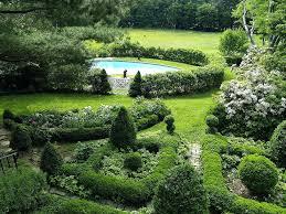 famous olive garden on poplar festooning beautiful garden