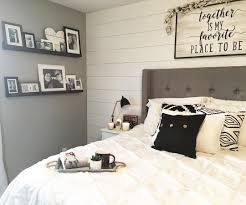 Black and White Master Bedroom Furniture Awesome Master Bedroom ...