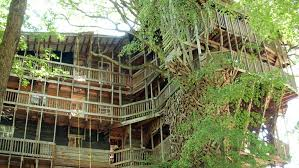 17 Of The Most Amazing Treehouses From Around The World  Bored PandaLargest Treehouse In America