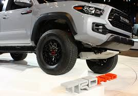 2017 Toyota Tacoma TRD Pro pictures and specs