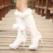 Resultado de imagem para botas brancas