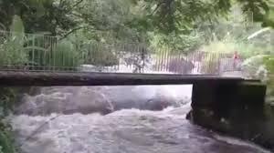 Resultado de imagem para enchentes e tromba da agua