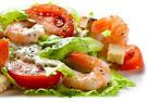 Как приготовить салат из курицы с креветками