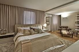 Uma opção perfeita para cama box, o painel de mdf ou pínus é uma escolha barata e eficaz, pois traz aconchego ao dormitório e não pesa no bolso. Terra Decora Veja Dicas De Cortina Para Quarto E Escritorio