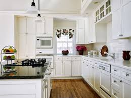 painting kitchen cabinets white with chalk paint can i