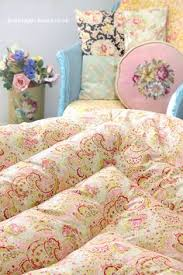 Beautiful vintage French feather eiderdown quilt by EmmaAtLHV ... & Vintage Home Shop - Pretty 1940s Pink Roses and Paisley Double Eiderdown:  www.vintage Adamdwight.com