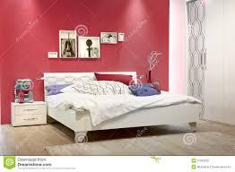 Parete colorata in camera da letto ~ ispirazione design casa