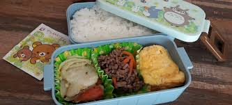 Japanese bento box What\u0027s inside a box? More than just plain lunch