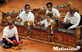 Alat musik tamborin ini berasal dari daerah eropa yang mana pada awalnya dimainkan oleh kelompok musik tentara turki, janissaries. 11 Alat Musik Tradisional Bali Yang Perlu Kamu Ketahui Mediasiana Com Media Pembelajaran Masakini