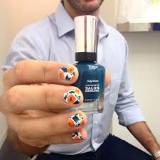 get over hump day in the office with a quick fl manicure guys love because the big curved brush is so much easier to paint with organic shapes are the