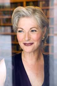 hair how to apply eye makeup for women over 50 such as the best way to camouflage droopy eyes is to apply a smidgen of highlighter on the outer corners of