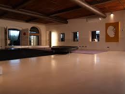 Pavimento in pietra naturale monolitico pietra di venezia orsan