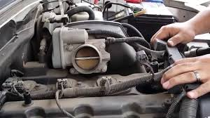 How to Change SPARK PLUGS on Chevy Colorado - YouTube