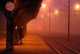 Resultado de imagen de estacion tren noche