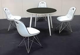 Tischgruppe Im Stil Der Fünfziger Jahre Esstisch Rund Schwarzweiß