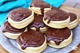 boston creams cookies
