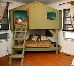 Cool looking bunk beds :)