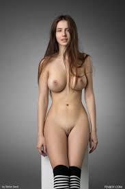B eautiful girls nude
