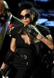 Otrasný účes Janet Jackson Je Vystrihaná Ako Chlap Galéria