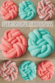 infinity knot pillow. make your own knotted fleece pillow! all you will need is 1 yard of infinity knot pillow r