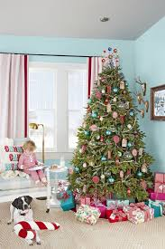 Fabulous christmas decoration ideas using candles Silver Christmas Decorations Tree Homystyle 110 Country Christmas Decorations Holiday Decorating Ideas 2018