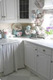 Shabby Chic Kitchen Toves Sammensurium Cozy Cottage Kitchen In White Brocante