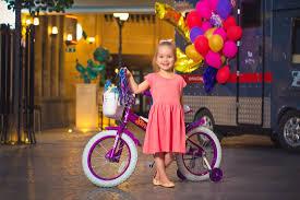 Какой <b>велосипед</b> выбрать для ребенка: <b>3</b>-<b>х</b> или 4-х <b>колесный</b>?