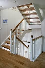 Stufen ahorn, geländer in kirschbaum mit weißen wangen. Klassik Melby Treppen