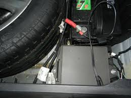 com xj fuse location and id trunk fuse box