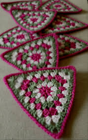 Crochet granny triangle crochet bunting pinterest fantasie